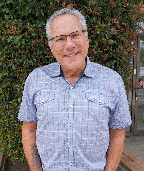 Veterinarian - Dr. Keith M. Berry - Agoura Hills Animal Hospital